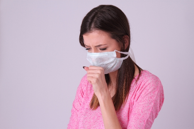 マスクをする女性1