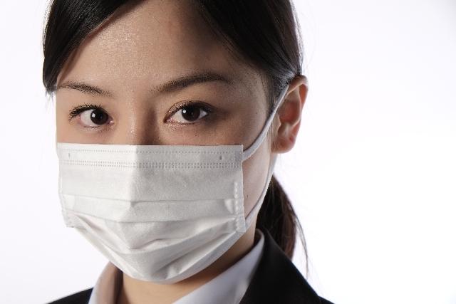 マスクをする女性2