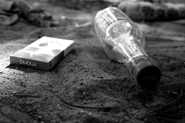 タバコと空き瓶