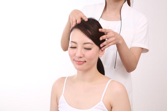 髪のマッサージ